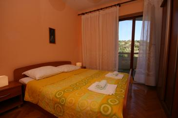 Jakišnica, Sypialnia w zakwaterowaniu typu room, dostupna klima, dopusteni kucni ljubimci i WIFI.