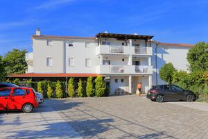 Apartments by the sea Rogoznica - 4162