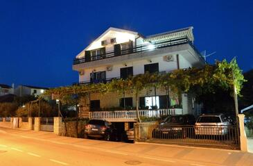 Vodice, Vodice, Property 4164 - Apartments and Rooms with pebble beach.