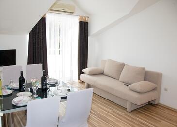 Ražine, Sufragerie în unitate de cazare tip apartment, aer condiționat disponibil, animale de companie sunt acceptate şi WiFi.