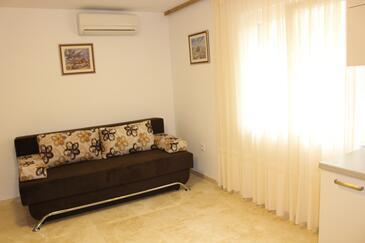 Bilo, Obývací pokoj v ubytování typu apartment, s klimatizací a WiFi.