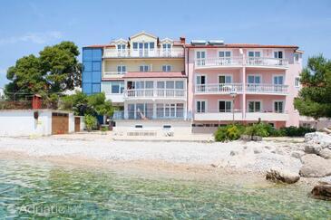 Primošten, Primošten, Property 4177 - Apartments near sea with pebble beach.