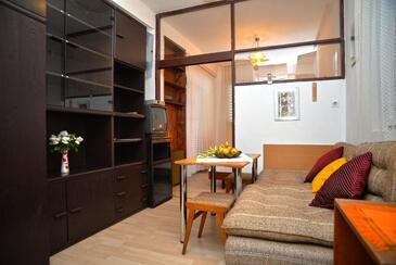 Vodice, Camera di soggiorno nell'alloggi del tipo apartment, condizionatore disponibile e WiFi.