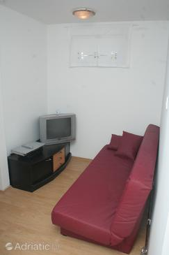 Brodarica, Living room in the apartment.