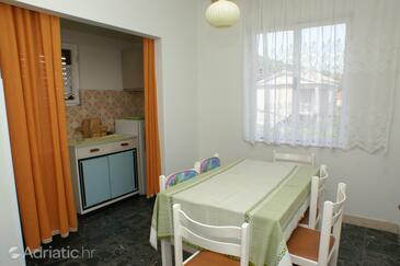 Vrgada, Dining room in the apartment, dopusteni kucni ljubimci.