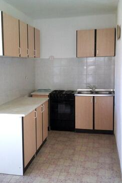 Malinska, Kitchen in the apartment, (pet friendly) and WiFi.