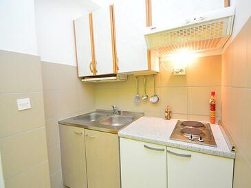 Tribunj, Kitchen in the studio-apartment, dopusteni kucni ljubimci i WIFI.