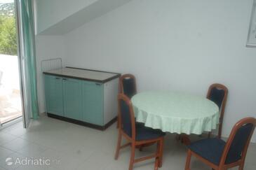Tribunj, Dining room in the apartment, dostupna klima, dopusteni kucni ljubimci i WIFI.