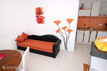Tribunj, Living room in the apartment, dopusteni kucni ljubimci.