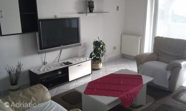 Brodarica, Living room in the apartment, air condition available, (pet friendly) and WiFi.