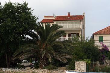 Zablaće, Šibenik, Obiekt 4222 - Apartamenty przy morzu ze żwirową plażą.