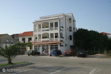 Rogoznica, Rogoznica, Property 4223 - Apartments and Rooms near sea with pebble beach.