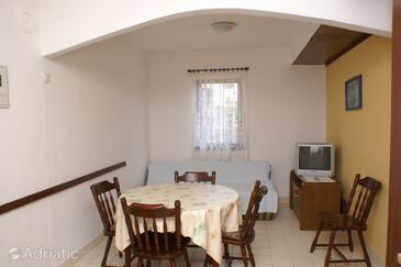 Vodice, Dining room in the apartment, dopusteni kucni ljubimci.
