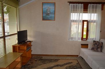 Vodice, Living room in the apartment, dostupna klima.