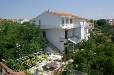 Vodice, Vodice, Property 4234 - Apartments near sea with pebble beach.