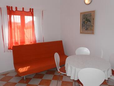 Vodice, Jadalnia w zakwaterowaniu typu apartment, dostupna klima i WIFI.