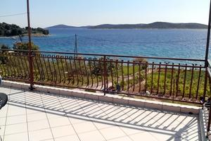 Apartments by the sea Sepurine, Prvic - 4238