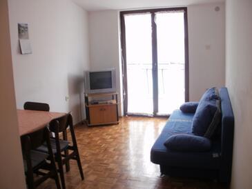 Šepurine, Obývací pokoj v ubytování typu apartment, dostupna klima, dopusteni kucni ljubimci i WIFI.