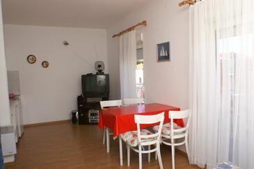 Brodarica, Jadalnia w zakwaterowaniu typu studio-apartment, dopusteni kucni ljubimci i WIFI.