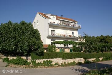 Brodarica, Šibenik, Property 4239 - Apartments with pebble beach.
