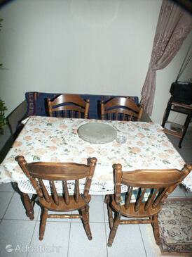 Vantačići, Dining room in the apartment.