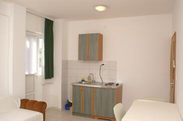 Brodarica, Kuchnia w zakwaterowaniu typu studio-apartment, dopusteni kucni ljubimci.