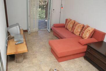 Vodice, Living room in the apartment, dostupna klima, dopusteni kucni ljubimci i WIFI.