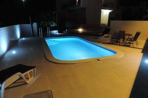 Seaside apartments with a swimming pool Brodarica (Šibenik) - 4249