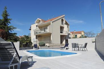 Brodarica, Šibenik, Property 4249 - Apartments near sea with pebble beach.