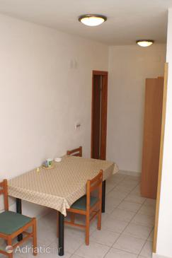Zablaće, Jídelna v ubytování typu apartment, domácí mazlíčci povoleni a WiFi.