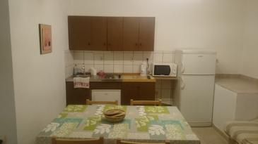 Zablaće, Kitchen in the apartment, air condition available, (pet friendly) and WiFi.