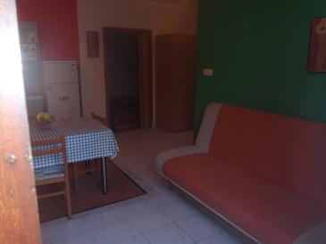 Zablaće, Dining room in the apartment, (pet friendly) and WiFi.