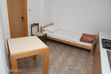Grebaštica, Dining room in the apartment.