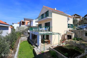 Žaborić, Šibenik, Property 4267 - Apartments by the sea.