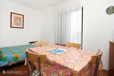 Vantačići, Dining room in the apartment, WIFI.