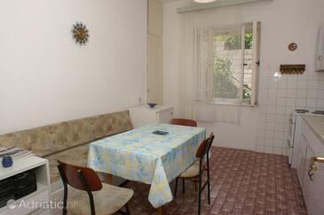 Split, Dining room in the apartment, dopusteni kucni ljubimci.