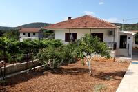 Апартаменты с парковкой Vinišće (Trogir) - 4276
