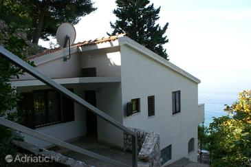 Nemira, Omiš, Property 4277 - Apartments near sea with pebble beach.