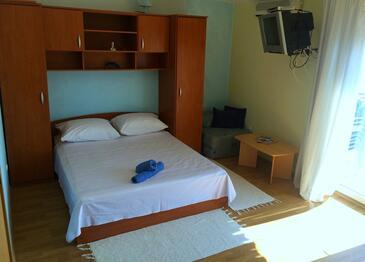 Marušići, Living room in the apartment, dostupna klima i dopusteni kucni ljubimci.