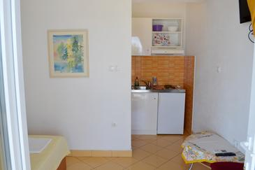 Pisak, Kitchen in the studio-apartment, WiFi.