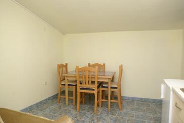 Sevid, Jedáleň v ubytovacej jednotke apartment, klimatizácia k dispozícii a WiFi.