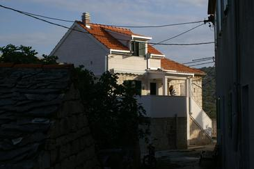 Slatine, Čiovo, Obiekt 4289 - Apartamenty ze żwirową plażą.