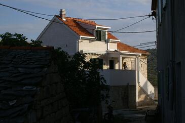 Slatine, Čiovo, Property 4289 - Apartments with pebble beach.