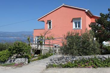 Vrbnik, Krk, Objekt 429 - Apartmani sa šljunčanom plažom.