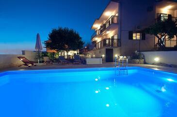 Okrug Gornji, Čiovo, Property 4290 - Vacation Rentals with pebble beach.