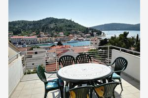 Apartments by the sea Tisno, Murter - 4295