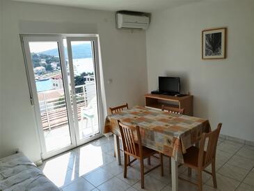 Tisno, Столовая в размещении типа apartment, доступный кондиционер и WiFi.