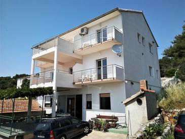 Tisno, Murter, Property 4295 - Apartments by the sea.