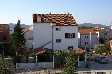 Biograd na Moru, Biograd, Property 4300 - Apartments with pebble beach.