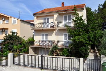 Biograd na Moru, Biograd, Property 4301 - Apartments with pebble beach.